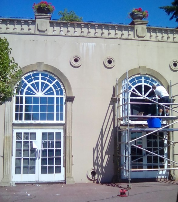 Arched top windows 706